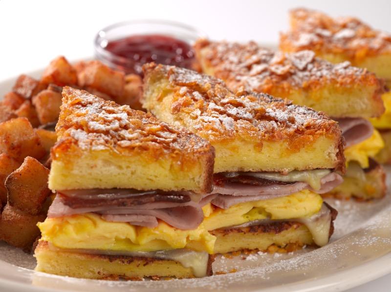 5 platillos que no conocías de The Cheesecake Factory - montecristo-800x598