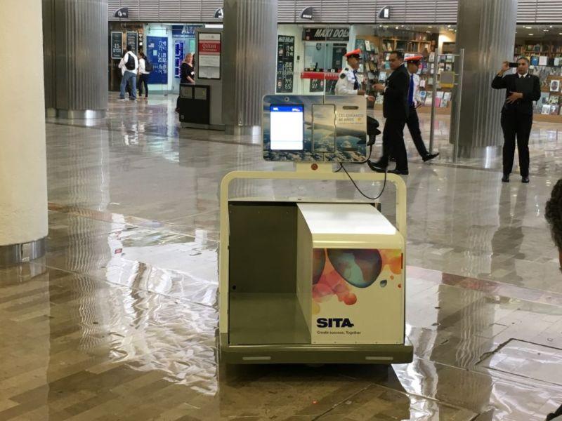 Leo, innovador robot de equipaje, llega a la Cuidad de México - robot-equipaje-cdmx-800x600