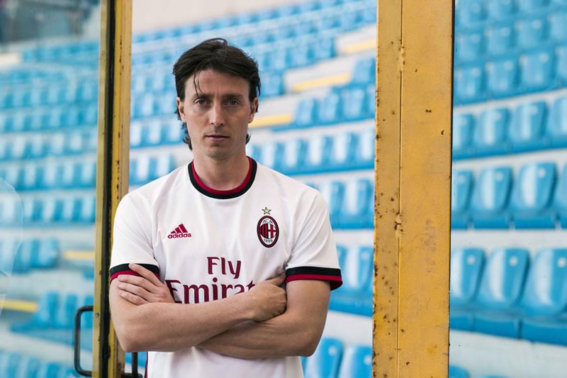 Conoce el nuevo uniforme de visitante del Milán para la temporada 2017/18 - uniforme-visitante-ac-milan-2017-2018