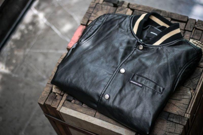 Nueva colección de Members Only ¡prenda clásica y atemporal que volvió para quedarse! - moss1-800x533