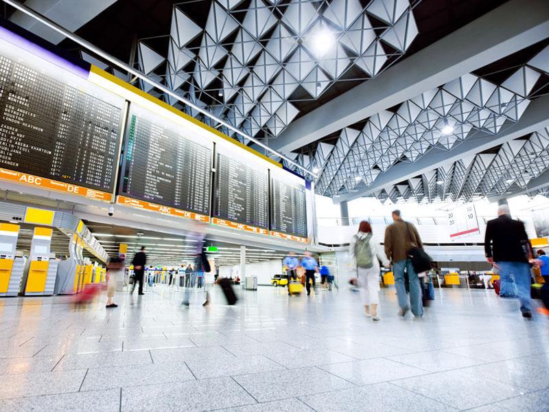 ¿Cuáles son los desafíos tecnológicos a los que se enfrentan los aeropuertos? - aeropuertos-1-800x600