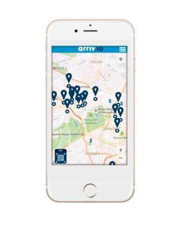 Arriv.io, startup mexicana que está cambiando la experiencia de estacionarse - iphone-con-la-app-348x450