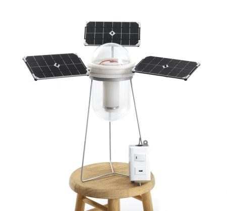 Emprendedores crean foco solar para zonas rurales de México