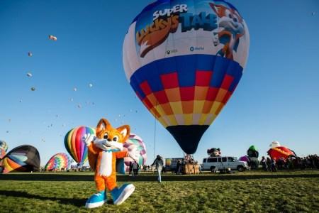 Xbox conquista título Guinness World Record desde un globo aerostático de Super Lucky's Tale
