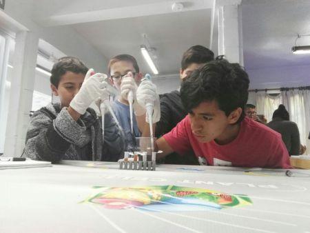 Taller de biotecnología en la CDMX para jóvenes por Robotix