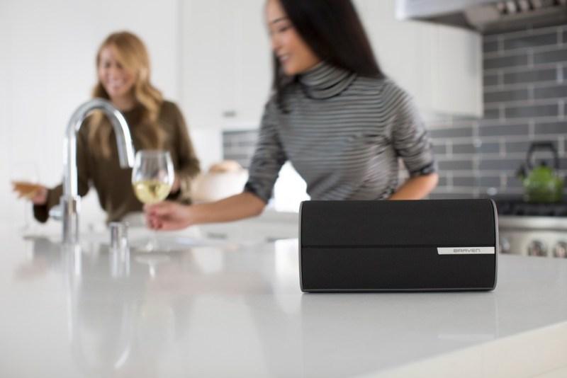 BRAVEN presenta su serie de bocinas Bluetooth Premium - braven-2200m-wireless-bluetooth-speaker-graphite_1-800x534