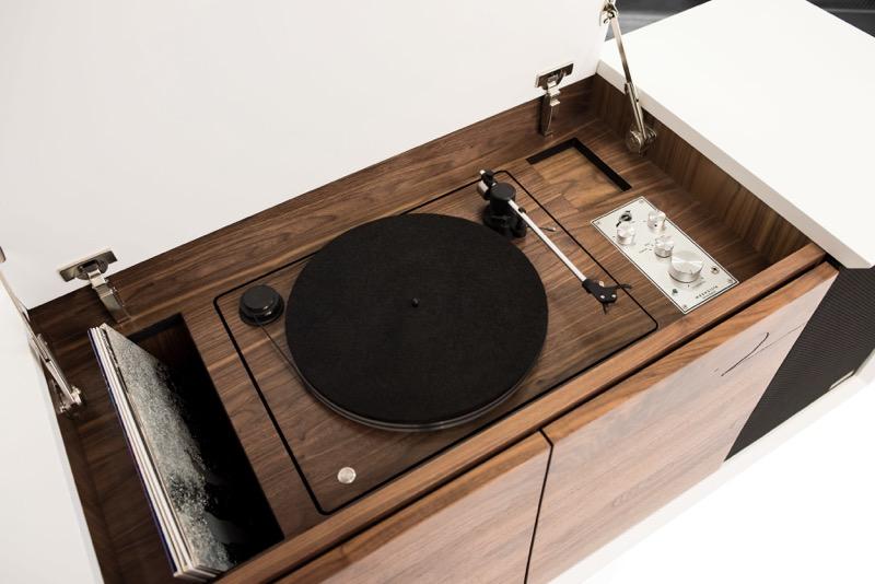"""i wrensilva sonos edition record console Sonos le da un """"giro"""" a las tornamesas clásicas ¡Conoce su innovador diseño!"""