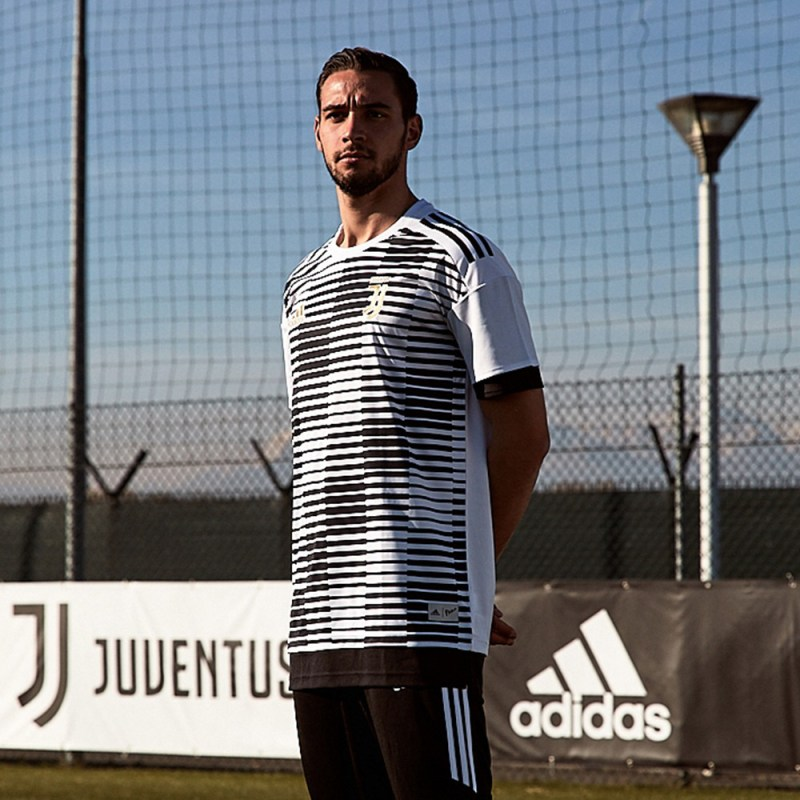adidas Football reveló las playeras Parley para entrenamiento hechas con Plástico Reciclado del Océano - playeras-entrenamiento-parley-juve_parley_disciglio-800x800