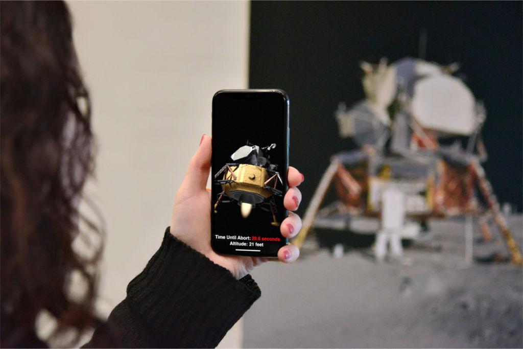 Con iOS 11.3, los usuarios de iPhone podrán desactivar la reducción del desempeño del procesador - apple_ar_experience_01232018