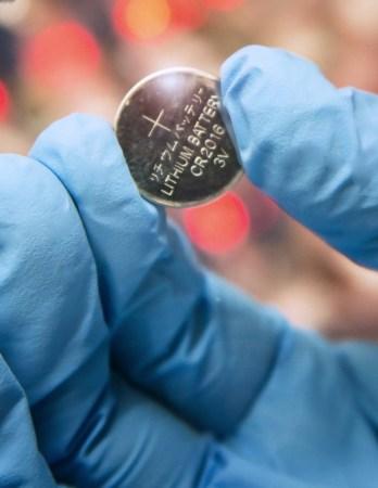 La UAM estudia y evalúa materiales para mejorar el rendimiento de baterías