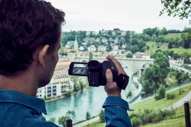 Sony presenta en México cuatro nuevas cámaras profesionales - handycam-fdr-ax700_camara_sony-800x534