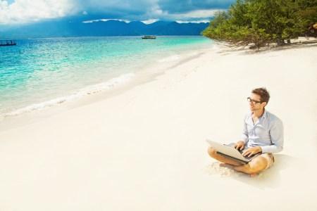 5 Herramientas tecnológicas para manejar tu negocio en vacaciones