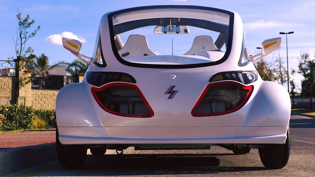 autos electricos mexicanos Crea empresa mexicana autos eléctricos que se recargan con corriente domiciliaria