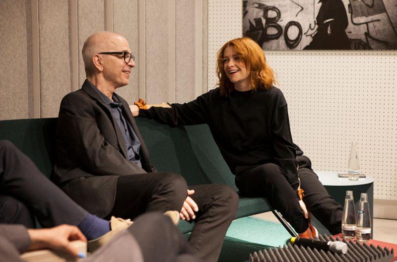 Dentro del Berlín de David Bowie: Cómo la ciudad transformó su música - bowie-sonos-berlin-conversation-800x528