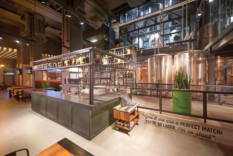 Reapertura de Beer Factory & Food Mundo E ¡cuenta con la primera embotelladora del grupo! - mundo-e_4