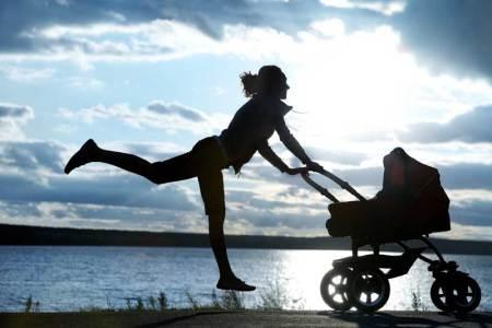 shutterstock 82386655 450x300 6 cosas que revelarán si eres toda una Mamá Millennial