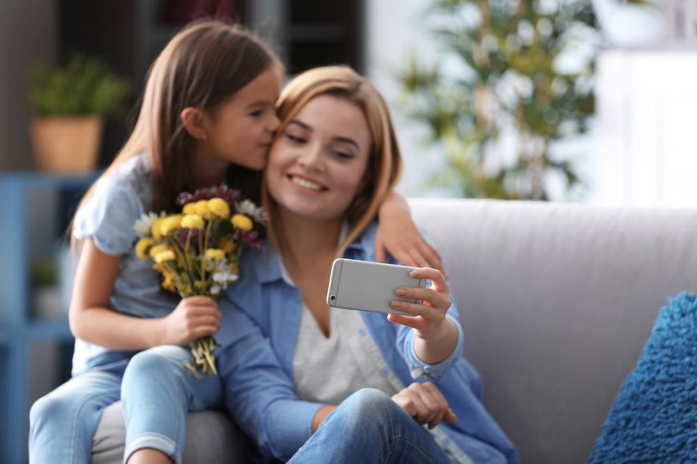 10 recomendaciones para comprar el smartphone ideal para Mamá - smartphone-dia-de-las-madres