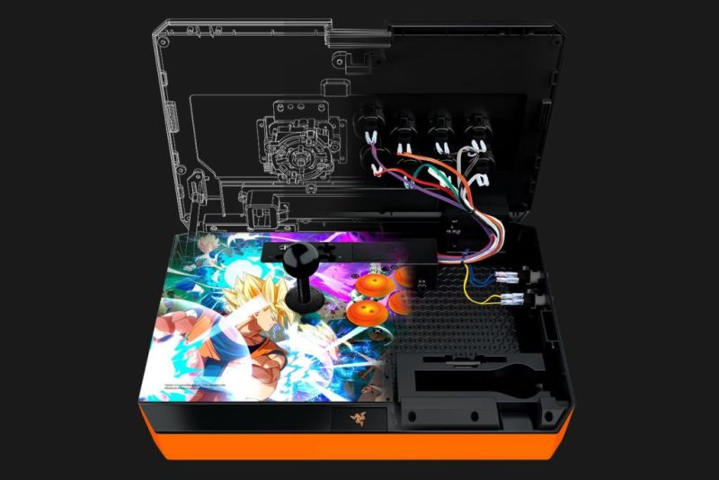 Razer anuncia el Fightsticks Dragon Ball Figtherz para Xbox One y PS4 - razer-panthera-dragonball-console-02-800x534