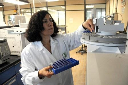 Premian a científicas mexicanas por tecnología microbiana