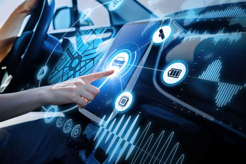 El auto conectado: el centro de información de la próxima generación - auto-conectado-800x534