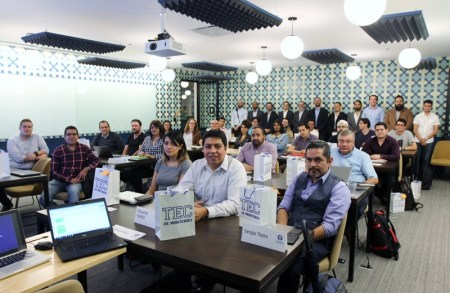 Santander y el Tecnológico de Monterrey promueven el talento de jóvenes programadores mexicanos