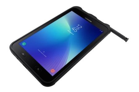 Nueva Samsung Galaxy Tab Active2 llega a México ¡Lo último en tecnología para uso empresarial! - 002_sm-t395_021_dynamic-3-with-cover-s-pen_black_lock
