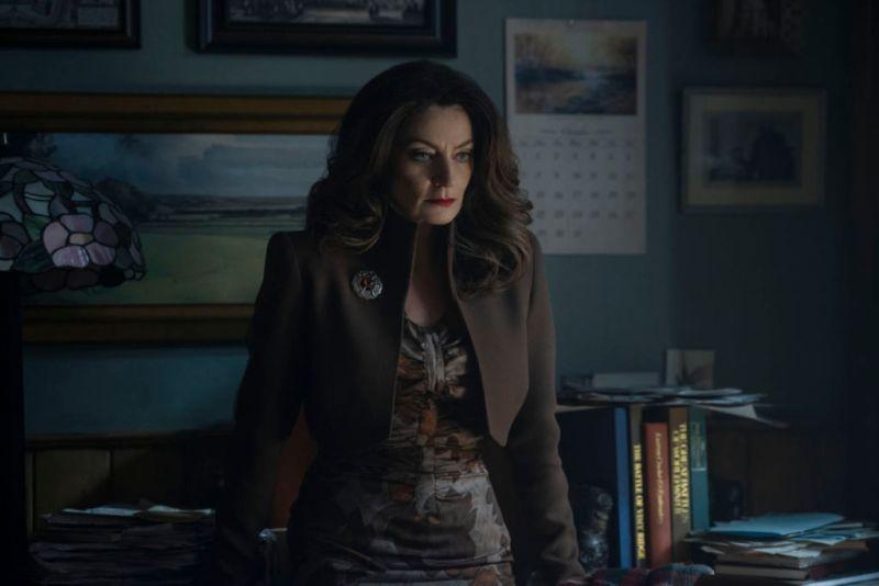 "Netflix revela los personajes de ""El mundo oculto de Sabrina"" - mary-wardwell-madame-satan-800x534"