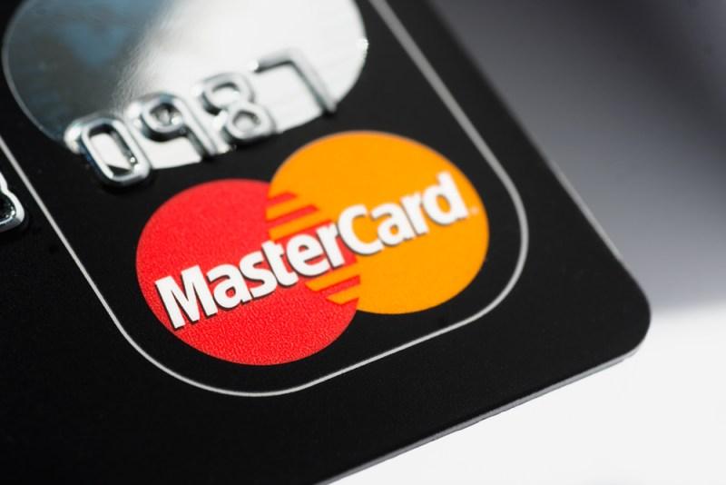 Mastercard elimina las firmas para mejorar la experiencia de compra