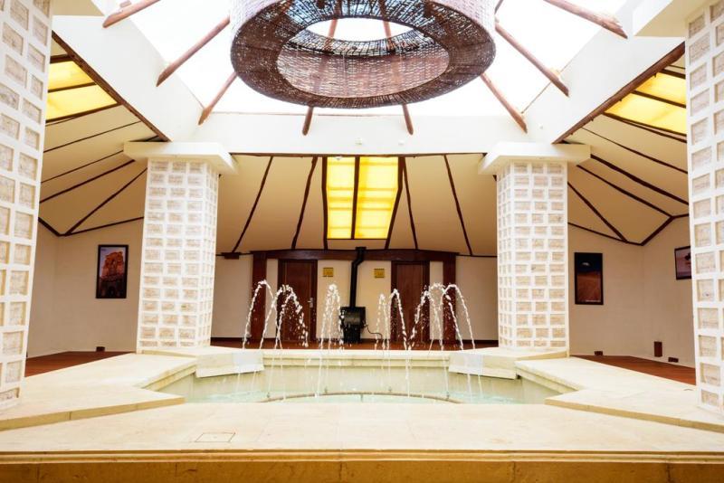 5 de los alojamientos más inusuales de Latinoamérica - palacio-de-sal-1-1-800x534
