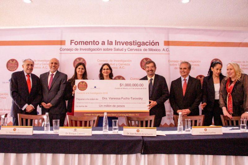 """Iniciativa """"Fomento a la Investigación"""" premia los proyectos de investigación sobre salud y cerveza ganadores en 2018 - dra-vanessa-fuchs-tarovsky-800x534"""