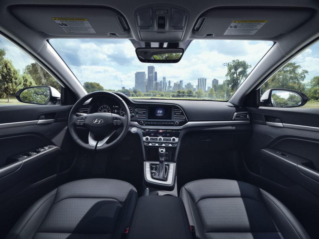 La totalmente nueva Hyundai Santa Fe y el renovado Elantra llegan a México - interior-elantra-2019