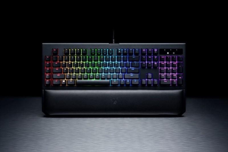 Las promociones de navidad de los equipos Razer - teclado-blackwidow-chroma-v2-800x533