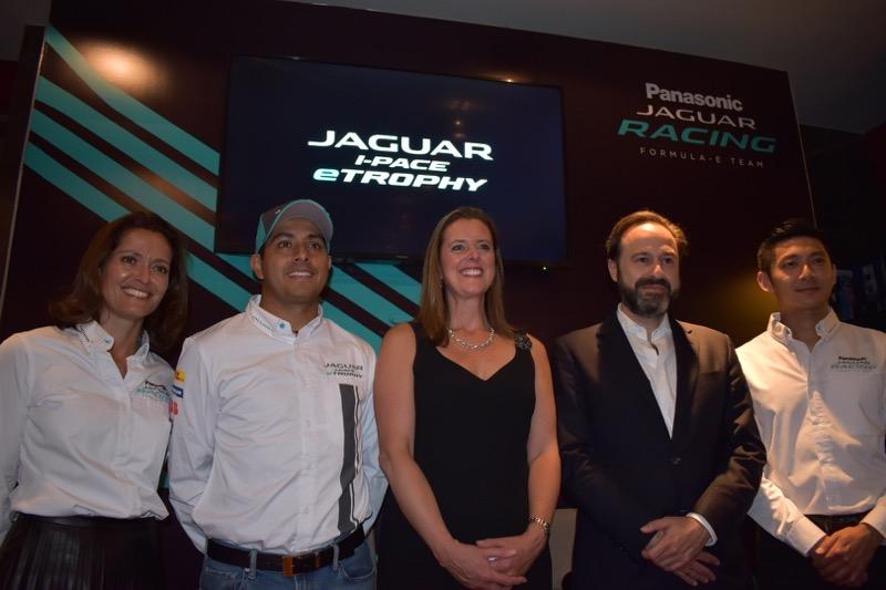 La Residencia Británica en México, recibe al equipo Panasonic Jaguar Racing - equipo-panasonic-jaguar-racing_9