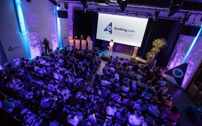 Booking.com reveló las 10 startups que participarán en su programa Booking Booster 2019 - booking-booster-2019