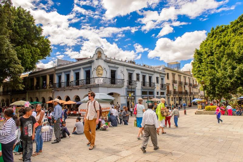 Las 5 ciudades donde viven más extranjeros en México - extranjeros-en-mexico-800x533