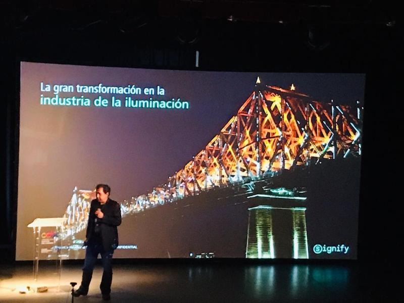 Signify transmite datos a través de la luz - lifi_signify_webadictos-com