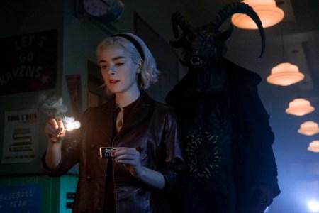 Netflix revela imágenes de la segunda temporada de El mundo oculto de Sabrina