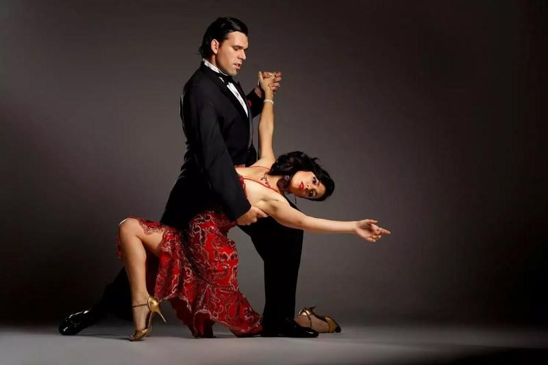 Neurocientífica mexicana en Alemania usa el tango como terapia en personas con Parkinson - tango