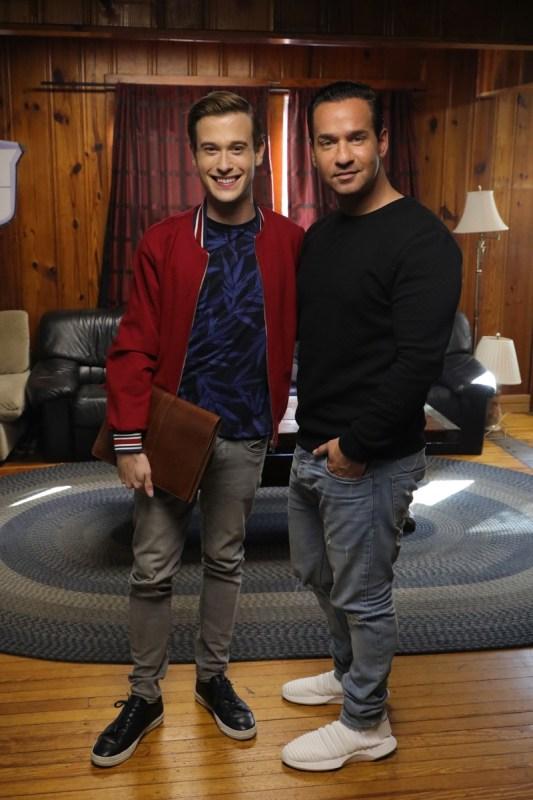 Episodios de estreno: Mysteries & Scandals y Hollywood Medium con Tyler Henry en E! - hollywood-medium-with-tyler-henry-e-webadictos