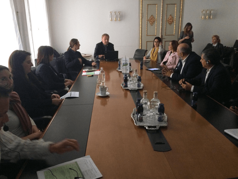 Representantes del Gobierno de Yucatán viajan a Eslovenia para programa de desarrollo de ciudades sostenibles - presentation-of-miran-gajsek-head-of-the-department-of-urban-planning-municipality-of-ljubljana-800x600