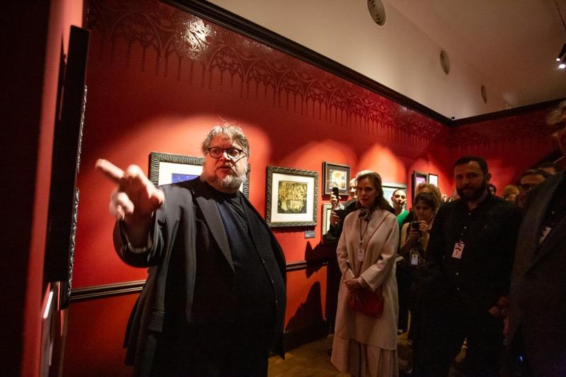 """Guillermo del Toro presenta en México """"En casa con mis monstruos"""" - en-casa-con-mis-monstruos_seleccion-para-prensa_-guillermo-del-toro_4-800x533"""