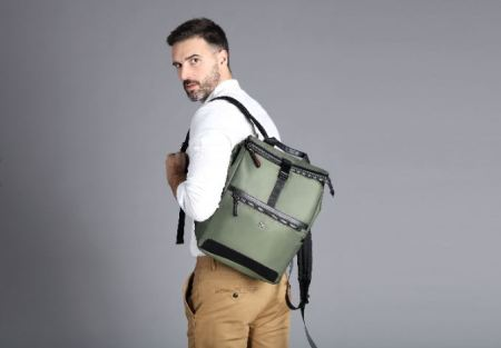 Día del Padre: Backpack y Manbag con estilo
