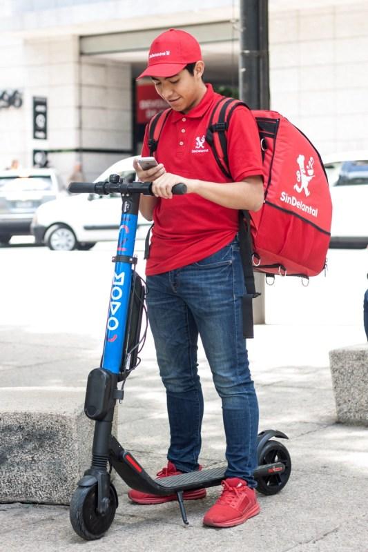 SinDelantal y el servicio de scooters eléctricos Movo se unen en beneficio de la sustentabilidad - movo-sin-delantal_1-533x800