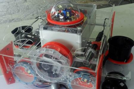 Universitario desarrolla robot submarino que analiza sustancias contaminantes en ríos o lagunas