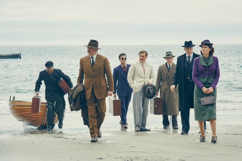5 series de Acorn TV que te lleva desde tu sillón a destinos internacionales - and-then-there-were-none_cast-arrives-on-island