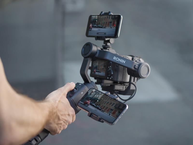 DJI presenta el nuevo DJI Ronin-SC, estabilizador de cámaras con funciones inteligentes - dji-ronin-sc-lifestyle12-800x600