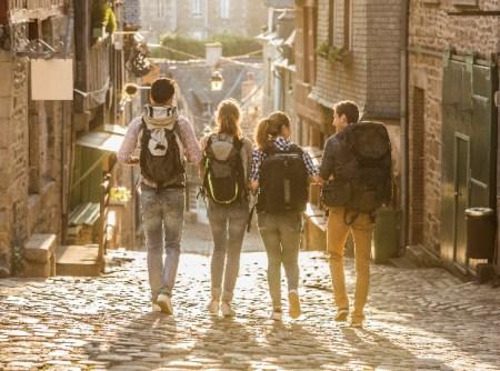 Viajar y conocer el mundo es el objetivo de vida #1 de la Generación Z