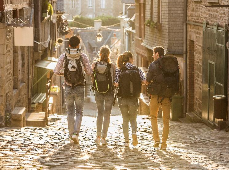 Viajar y conocer el mundo es el objetivo de vida #1 de la Generación Z - generacion-z