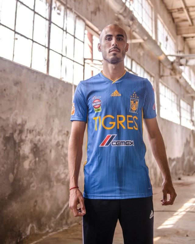 adidas presenta Jerseys de Tigres local y visitante para la temporada 2019-2020 - jersey_tigres_6-640x800