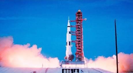 Motorola conmemora 50 años de la llegada del hombre a la Luna - lanzamiento-apollo-11